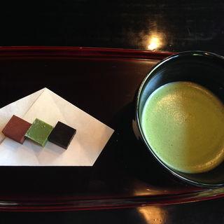 お抹茶と生チョコレート(和楽亭 (ワラクテイ))