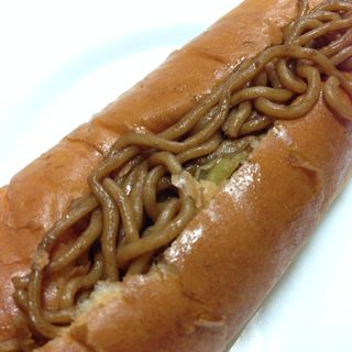 焼きそばパン(幸せの100円パン職人 桂千代原口店 )