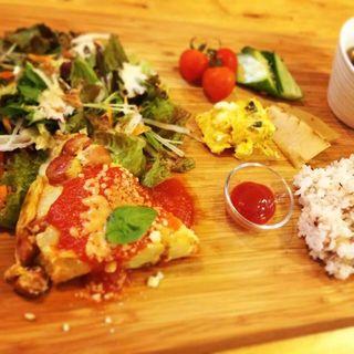 オムレツサラダプレート(昼ごはん夜カフェ)