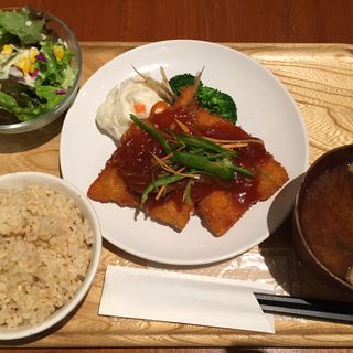 さくさくアジフライの甘酢あんかけ定食(カフェ パーク)