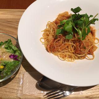 蓮根とツナのトマトソースパスタ(カフェ パーク)