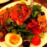 野菜たっぷり自家製ツナ 半熟卵のニース風サラダ
