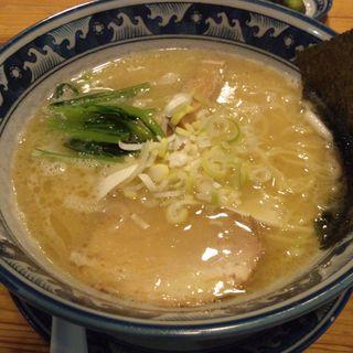 熟成豚骨しおらーめん (龍神麺 )