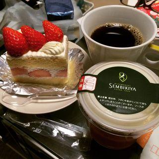ショートケーキと苺練乳ぷりん(千疋屋総本店 新宿伊勢丹店 (SEMBIKIYA))