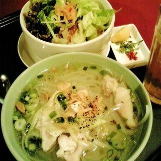 ミニフォー&ミニ豚角煮丼(ニャー・ヴェトナム プルミエ銀座)