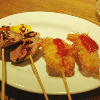 鴨のコンフィ バルサミコソース、マグロの串カツ甘辛赤味噌だれ(NOVO)