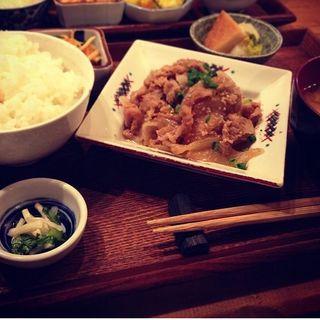 豚生姜焼き定食(八百屋とごはん うらや 本店 )