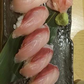 愛知県 渡島鰤握り 5貫(魚の台所 ととぽっぽ)