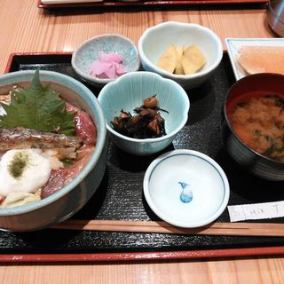 ミックス丼(八丈島 ゆうき丸)