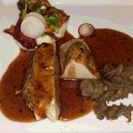七面鳥の軽いスモーク 野菜のブーケとトリュフソース