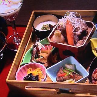 丹波篠山御膳 デカンショやぐら(西紀サービスエリア(上り線)レストラン しまぶん )