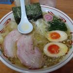 塩ワンタン麺 味玉入り(とら食堂 松戸分店 )