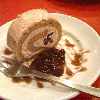 黒糖ロールケーキ(A to Z cafe (エートゥゼットカフェ))