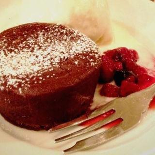 温かいガトーショコラとバニラアイス(A to Z cafe (エートゥゼットカフェ))