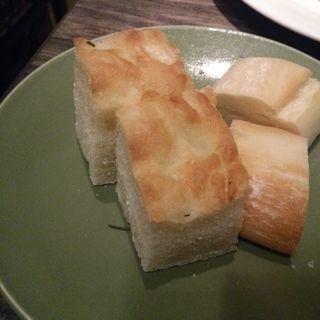 パスタセット(自家製パン)(グリージョ ラ ターヴォラ (grigio la tavola))