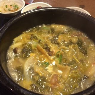 ウゴジスープ定食(韓国料理・焼肉  慶州)