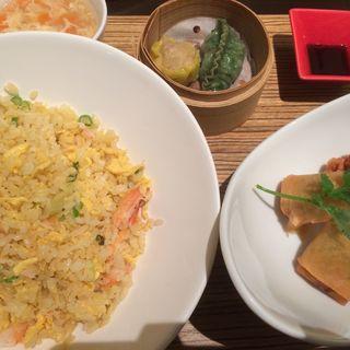 蟹肉とシャキシャキレタスの炒飯セット(荘園中華と飲茶 リー ツァン ティン  (Lei can ting))