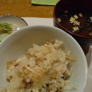 季節の炊き込みご飯(ようしん )