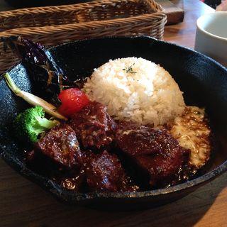 牛ほほ肉のとろとろ煮とおこげライス(ランチコース)(LICKS (GRILL & CAFE BAR))
