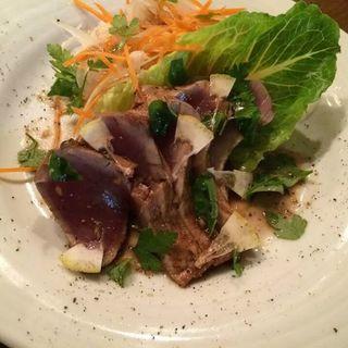 炙りマグロのサラダ仕立て(オヤマバル)