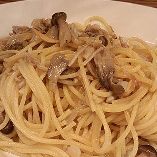 アサリとキノコのスパゲティー(タロス)