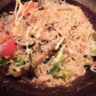 しらすとキノコのサラダ(鮮や一夜 新宿東口駅前店 )
