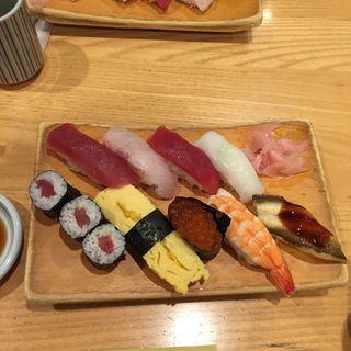特選にぎり(美味しいさかな けやき 東京駅一番街店 )