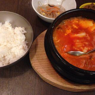 豚チーズスンドゥブ ランチ(韓のおしり AKIBA店 (カンノオシリ))