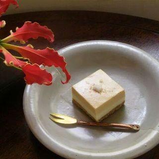 塩キャラメルチーズケーキ(ごはん屋ギャラリー猫車)