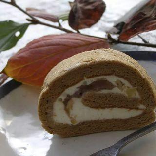 栗のロールケーキ(ごはん屋ギャラリー猫車)