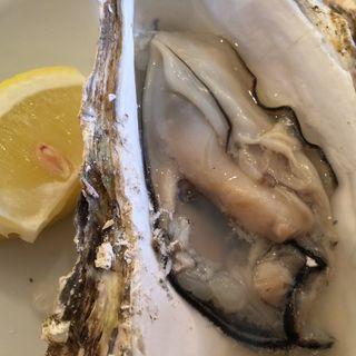 本場広島産焼牡蠣(お魚&江田島バール Paccio)
