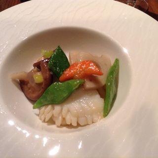 海の幸と野菜の炒め (花閒 (かかん))