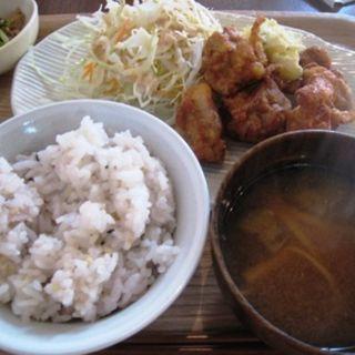 鶏もも肉の唐揚げ(食堂そら)