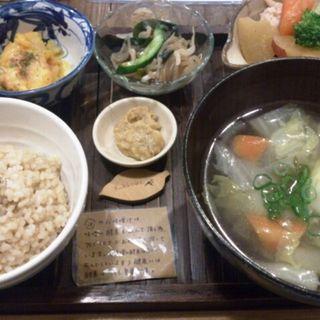 日替わり玄米定食(玄米食堂 ie (イエ))