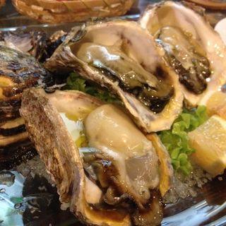 生牡蠣(隠れ家ダイニング ジャコミーノ)