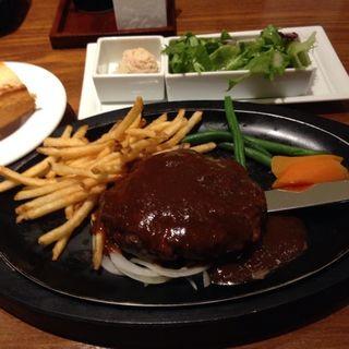 ハンバーグステーキデミグラスソース(ザ サクラ ダイニング トウキョウ (THE SAKURA DINING TOKYO))