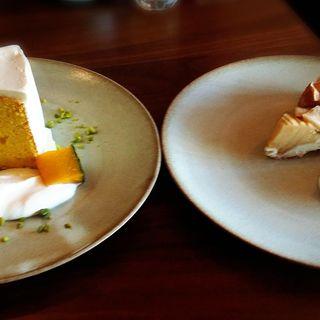 ケーキ(シフォンケーキ、アップルパイ各種)(スラッシュカフェ)