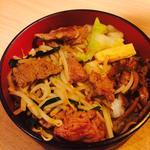 ジジンギスカン焼肉丼