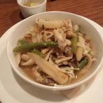 根菜とキノコの蒸し焼き