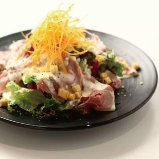生ハムのシーザーサラダ(カツバル )