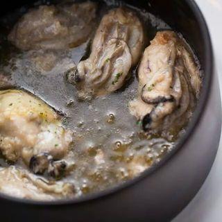 牡蠣のアヒージョ(カツバル )
