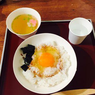 初卵の卵かけご飯(田邊屋商店)