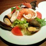 新鮮魚貝のサラダ