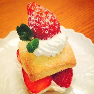 とちおとめのショートケーキ(カフェ フジヌマ (Cafe FUJINUMA))
