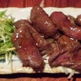 牛かたロースステーキ(炭火焼 火炉)