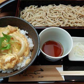 榛名鶏の親子丼とせいろそば(蕎麦 ひびき庵 (ひびきあん))