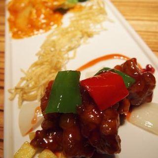 海老チリと黒酢酢豚(パラダイスダイナシティ)