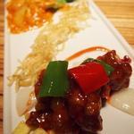 海老チリと黒酢酢豚