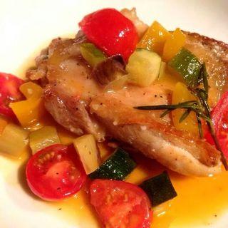 鶏もも肉で塩レモンバターソテー(HEJIRA)