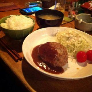 ハンバーグ定食(HEJIRA)